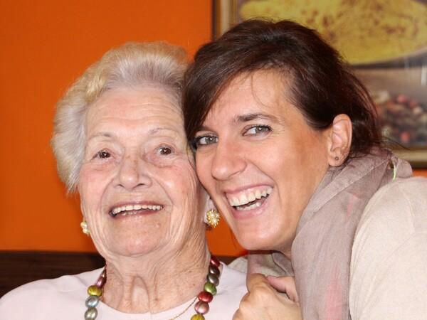 grandma-2637457_1920 4ku3